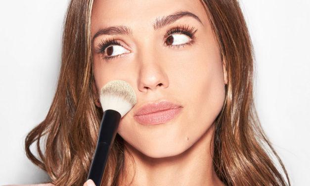Jessica Alba takes the 5 minute makeup challenge